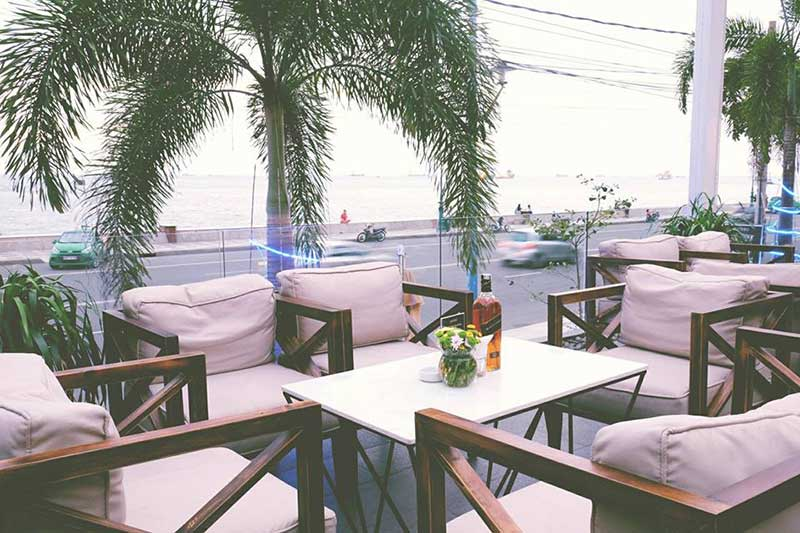 gazebo beach front lounge & cafe vũng tàu