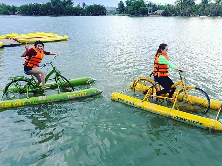 Làng du lịch sinh thái Tre Việt