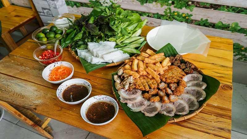 TOP 10 Món Ăn Vặt Ở Hà Nội Ngon Rẻ Giá Sinh Viên
