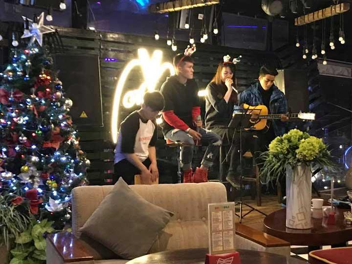 V Sky Acoustic Bar Đà Lạt