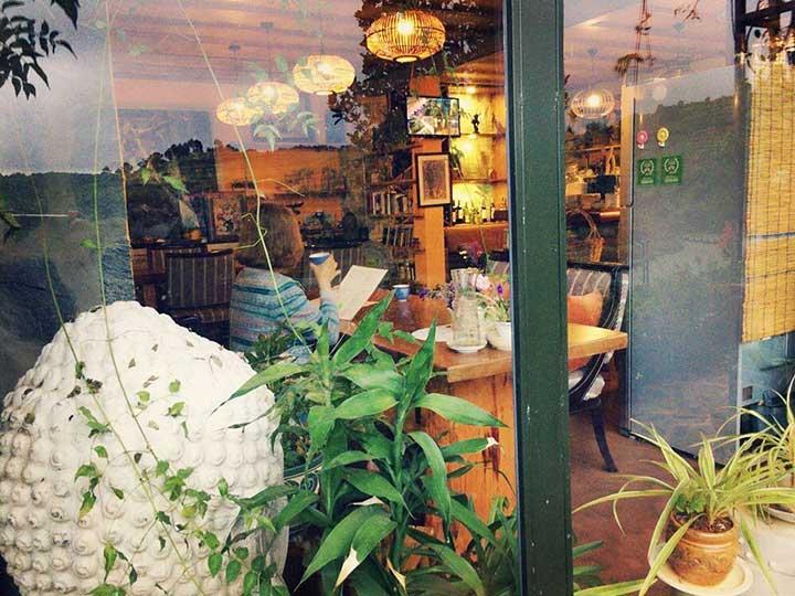 Zen Cafe Lakeside - Khách sạn view đẹp Đà Lạt