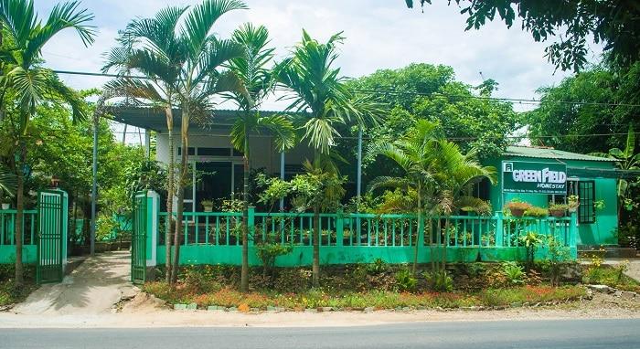 Green field homestay hue