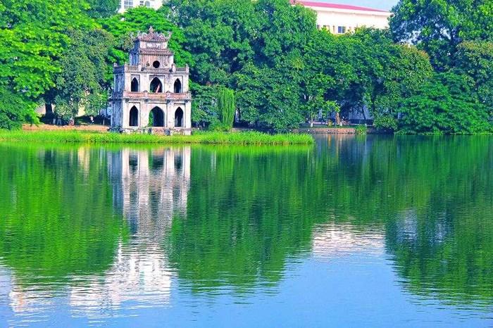 Hồ Hoàn Kiếm..