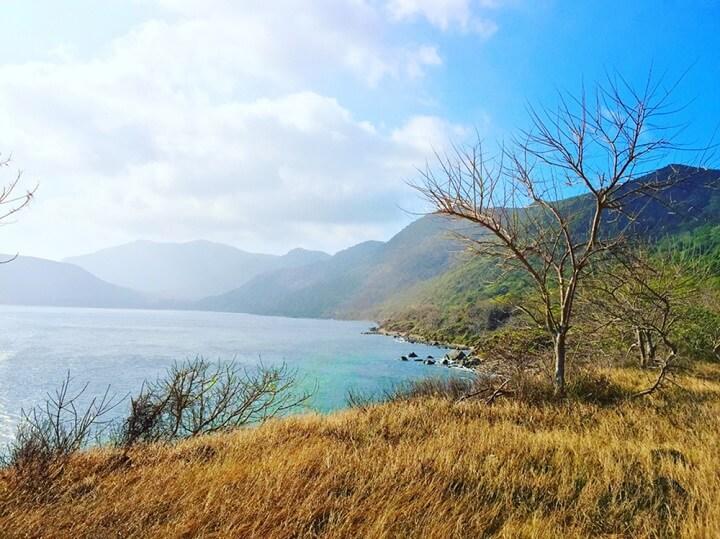 Đồi, dốc và biển Côn Đảo