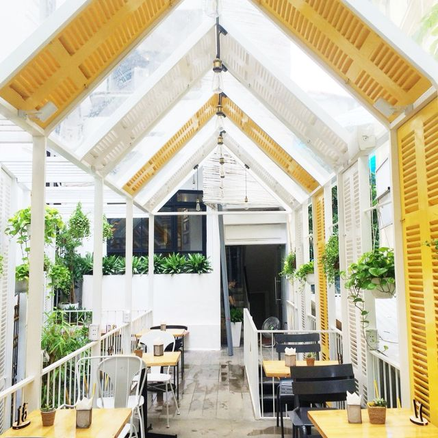 Top 10 quán cà phê ngoài trời đẹp ở Hà Nội 2019 27