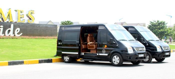 Nhà xe Hoàng Phú limousine
