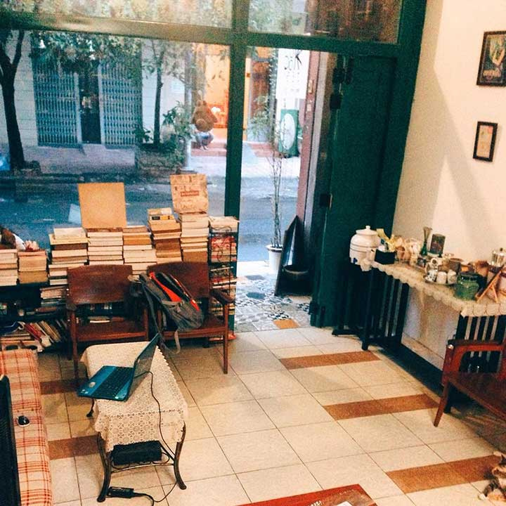 Ango Bookstore & Coffee