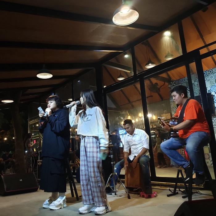 quán cafe nhạc Acoustic ở Tân Phú Sài Gòn1