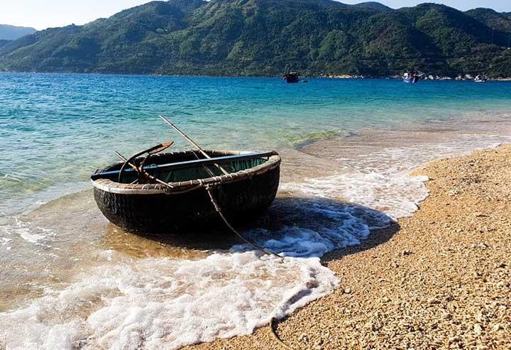 Đảo Hòn Nưa Phú Yên