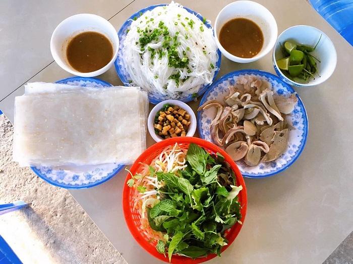 banh hoi chao long phu yen