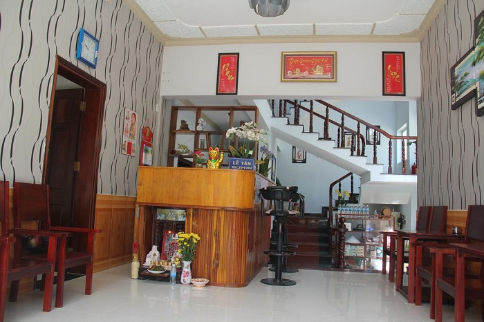 quynh anh hotel con dao